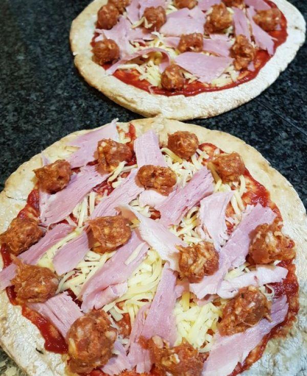 gluten-free-meat-lovers-pizza-205244287-30BD-1F4D-DC40-6199912B3B35.jpg